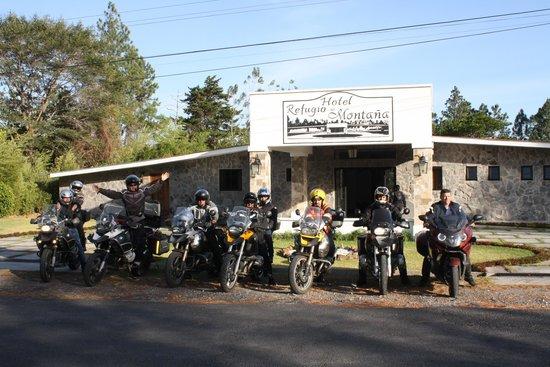 Hotel Refugio de Montana: Entrada principal - BMW Moto Club Costa Rica