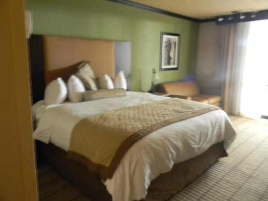 Wingate by Wyndham Oklahoma City Airport: King Bed