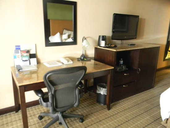Wingate by Wyndham Oklahoma City Airport : Business Area