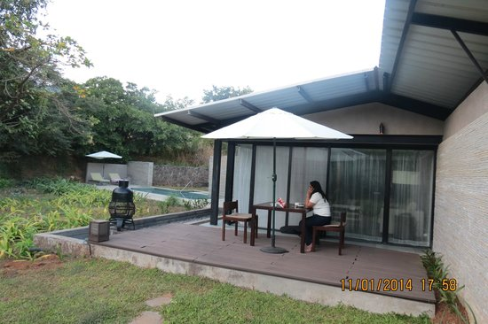 Hilton Shillim Estate Retreat & Spa : Seating deck for a nice barbecue under the stars