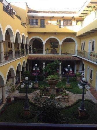 Caribe Hotel: холл, внутренний двор