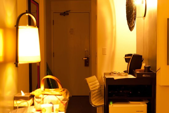 Hotel Renew: Room entrance
