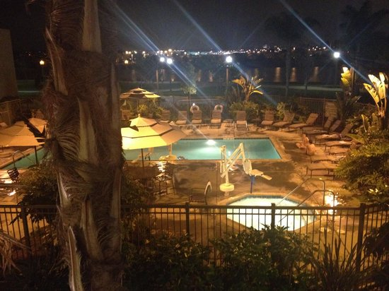 Homewood Suites by Hilton San Diego Airport - Liberty Station : Pool at night