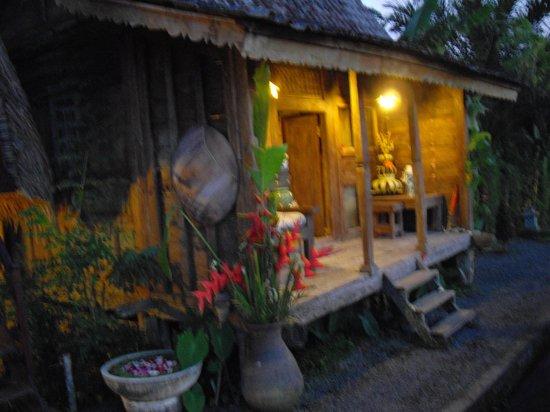 Sharing Bali: Bungalow
