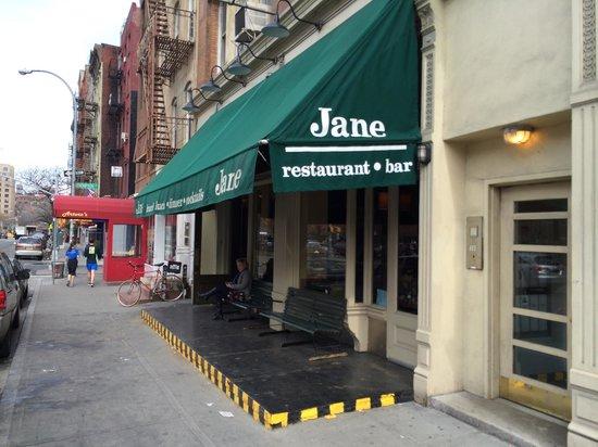 Jane : Street entrance on W. Houston