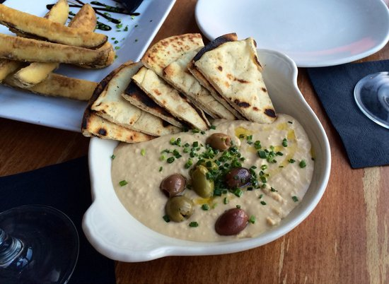Lemon hummus and olives - plenty for sharing at The Blue Ox