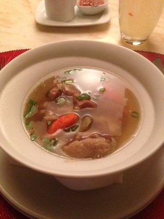 Red 8 Chinese Bistro: oxtail soup