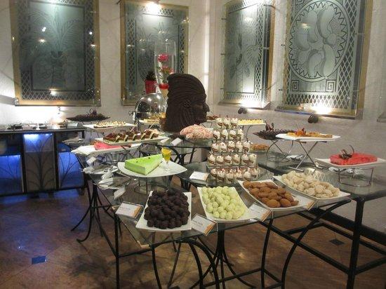 Cinnamon Lodge Habarana : Dessert room!
