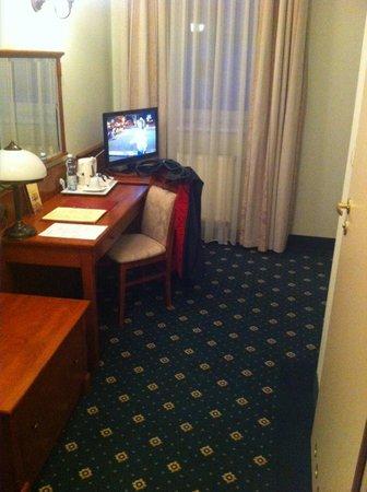 Hetman Hotel: Maluteńki pokój