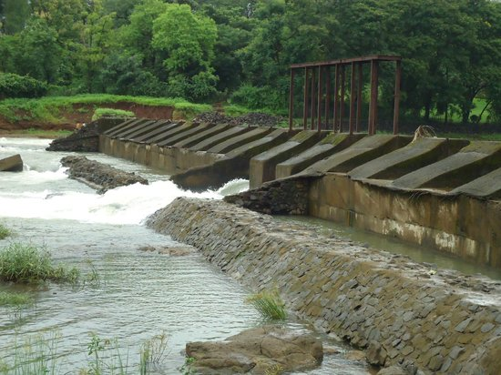 Khanvel Resort: Near by River