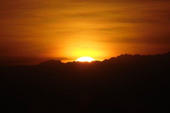 Ngorongoro Wildcamp: Sunset
