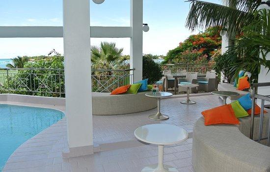 Le Lagon Hotel Restaurant: Espace piscine