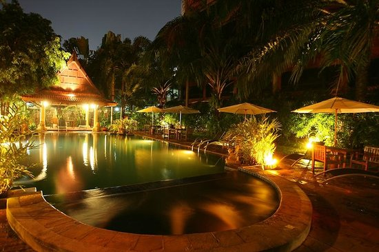 Nova Park Hotel Pattaya: Swimming Pool
