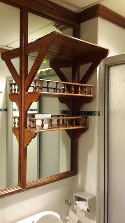 Sutera Prima : Rack in bathroom