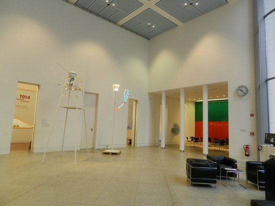 Kunstmuseum Bonn: Фойе