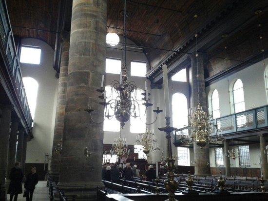 Synagogue portugaise : As colunas Jonicas.