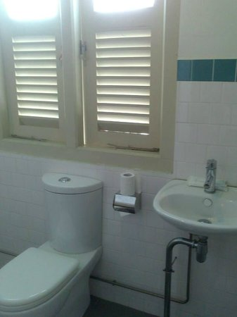 Kam Leng Hotel: Bathroom