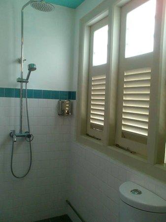Kam Leng Hotel: Bathroom