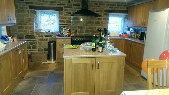 Uppergate Farm: Kitchen has all the equipment you can think of.