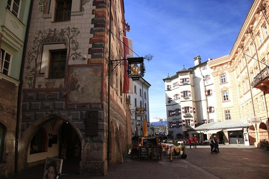 Best Western Plus Hotel Goldener Adler: Perfect location in the middle of the old town and with an extremely friendly staff - tunliweb.n