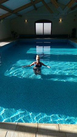 Uppergate Farm: Massive pool.