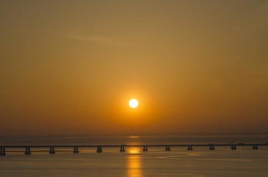 Kitesurf Adventures: Lisbon sunset