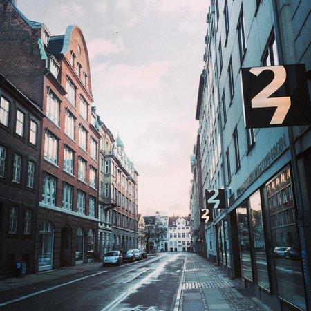 First Hotel Twentyseven: Easy
