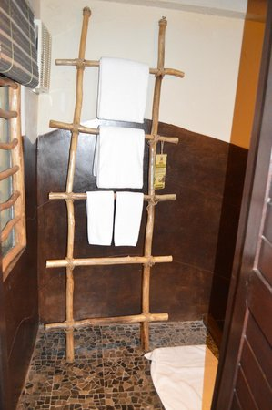 Mara River Safari Lodge: Ladder to place the towels