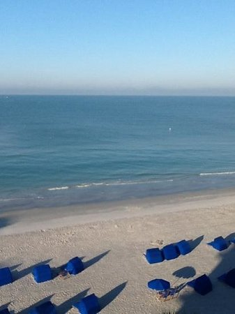 Doubletree Beach Resort by Hilton Tampa Bay / North Redington Beach: View from our 6th floor guest room.