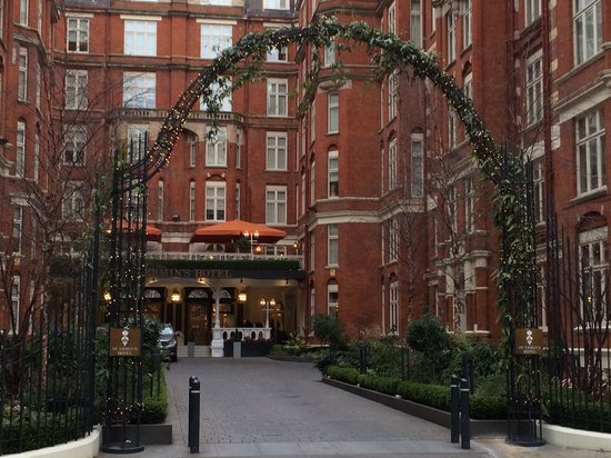 St. Ermin's Hotel, Autograph Collection : Entrance