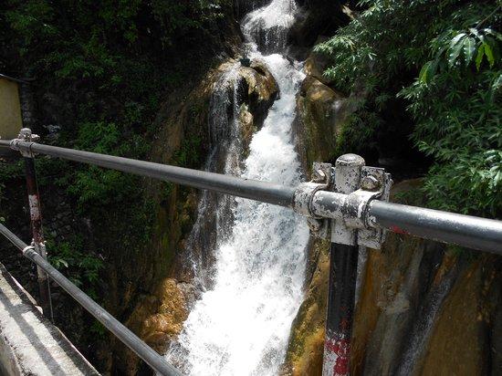 Kempty Falls: scenic beauty of kempty fall