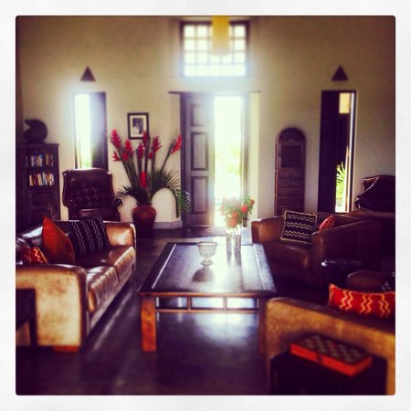 Villa Mayurana by Edwards Collection: Lounge