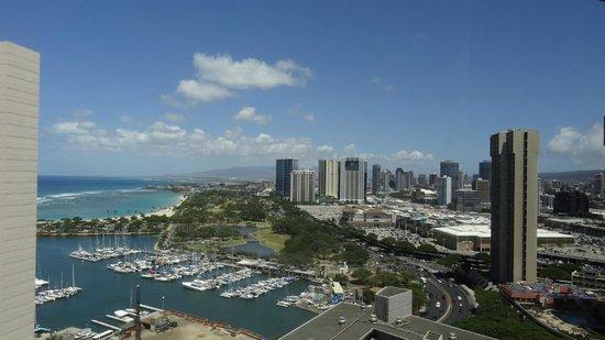 Marina Tower Waikiki : アラモアナSC&パーク