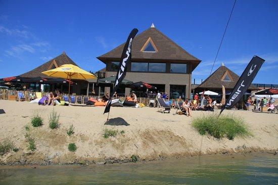 Lakeside Paradise Sleep Inn