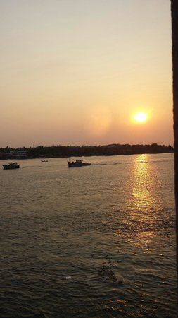 Vivanta by Taj - Malabar : Sunset view