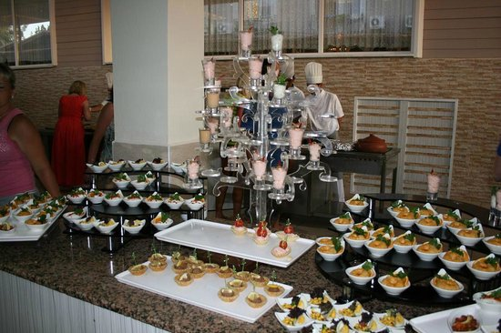 Club Bella Sun Hotel: Закуски подаваемые на ужин