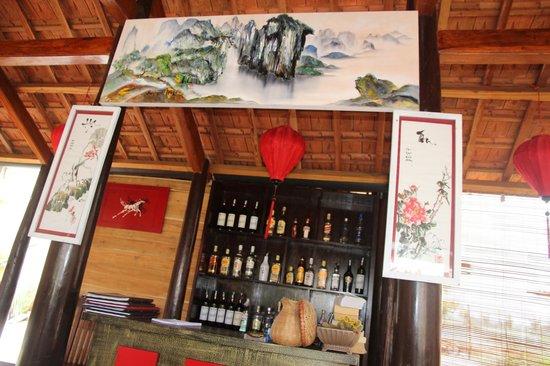 Golden Fish restaurant & bar : ..