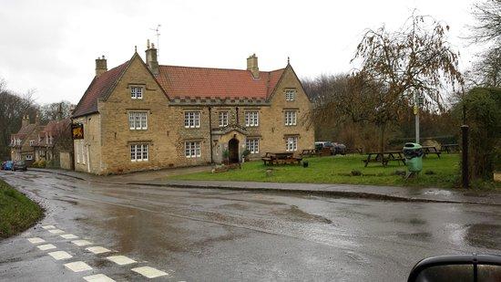 The Griffin Inn, Irnham: Outside
