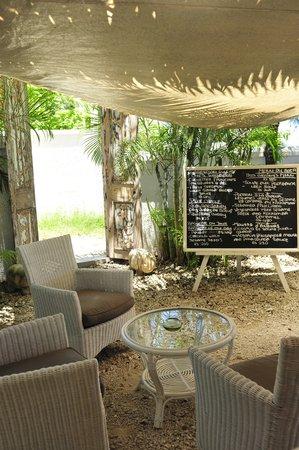 The Bay: restaurant entrance