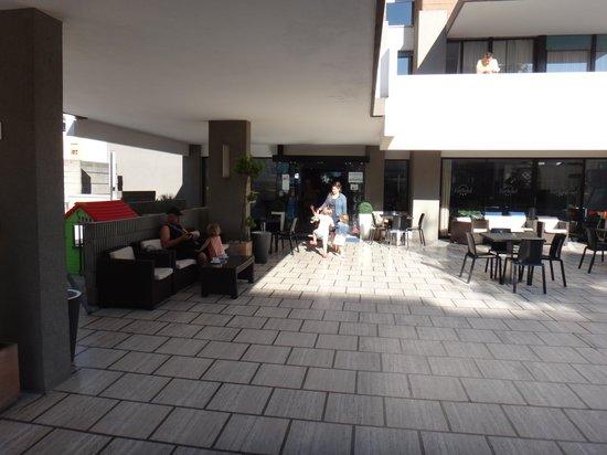Eurhotel: Вход в отель
