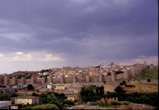 The Walls of Avila : dalla strada