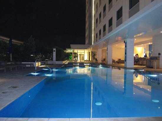 Park Inn by Radisson Davao: Pool