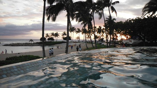 Aulani, a Disney Resort & Spa: New infinity pool during sunset