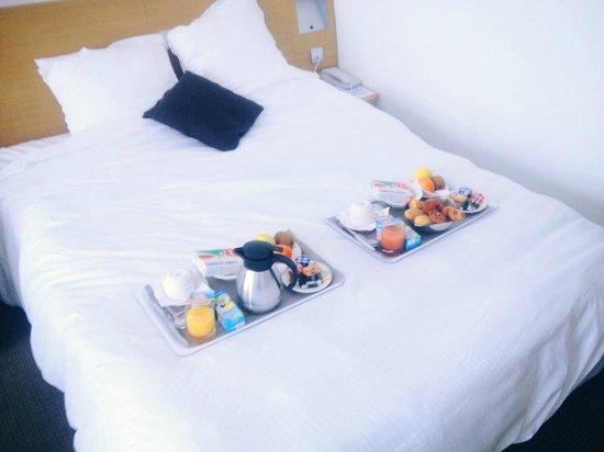 Hotel Cordouan : Petit déjeuner en chambre