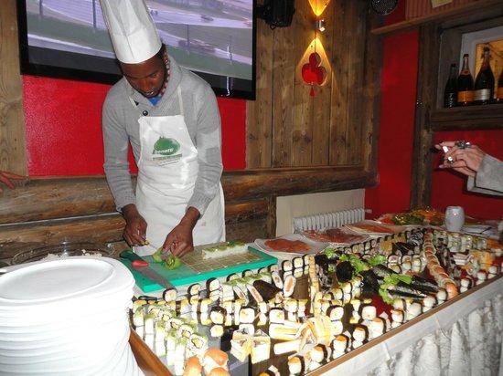 Hotel Dolomiti: preparazione del sushi