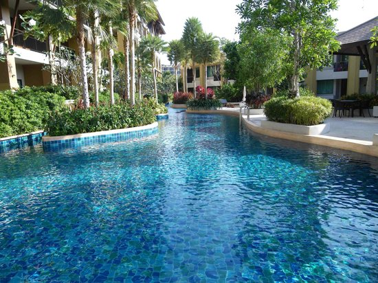 Rawai Palm Beach Resort: Pool