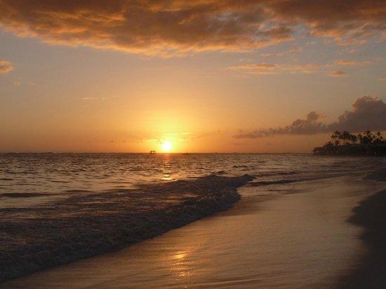 Iberostar Bavaro Suites : 7h35 le soleil apparait