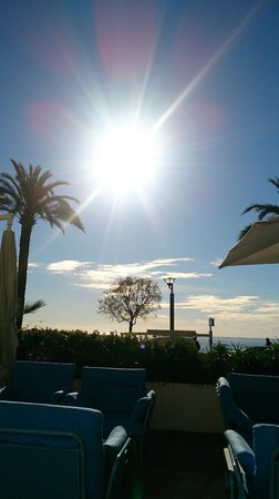 Hotel Victoria : Petit dejeuner a la terrasse de l hotel
