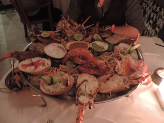 Tamarind Mombasa: Our monster seafood platter (veggies on the side)