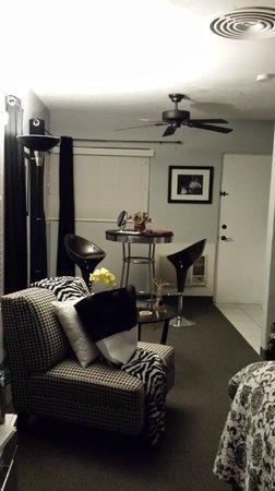 POSH Palm Springs Inn : Our Room
